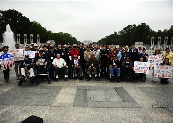 Veterans at WW II Memorial