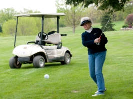 Senior Games golfer 2011.jpg